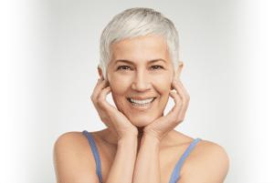 Permanente make-up vervaagt en verkleurt door Uv-straling. Laat het op tijd bijwerken.