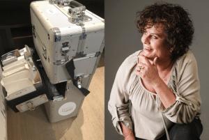 Dit zijn 2 foto's bij elkaar geplakt. De een is Janny Hanegraag van Permanent Mooi en de ander is de koffer met al haar spullen erin voor permanente make-up en medische cosmetica